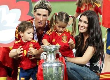 Fernando Torres y familia