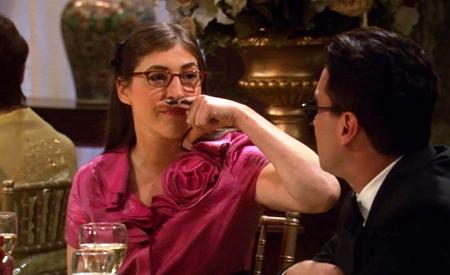 Amy Farrah Fawler y su moustache