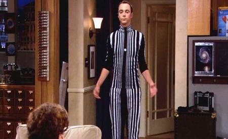 Sheldon disfrazado de efecto Doppler