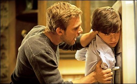 Dylan y Norman (Max Thieriot y Freddie Highmore)