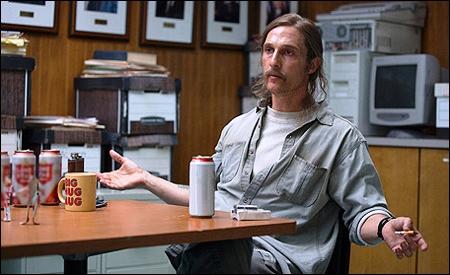 Matthew McConaughey es Rust Cohle