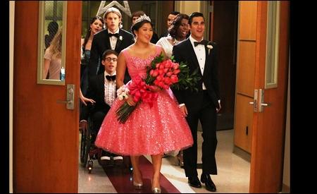 Tina reina del baile del instituto