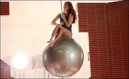 """Wrecking ball"" de  Marley"