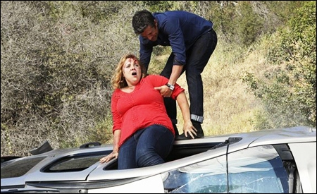 Derek Shepherd socorriendo en un accidente