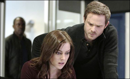 Jessica Stroup y Shawn Ashmore son Max y Mike