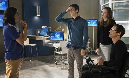 Cisco, Barry, Caitlin y el doctor Wells