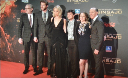 Francis Lawrence, Liam Hemsworth, Jennifer Lawrence, Josh Hutcherson, Nina Jacobson y Jon Kilik
