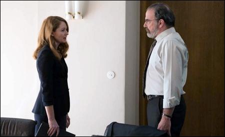 Miranda Otto y Mandy Patinkin son Allison y Saul